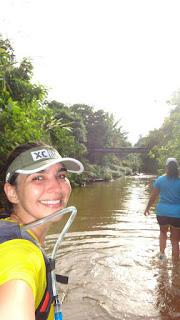 Atravessando o rio em XC Run Itaipava 2015