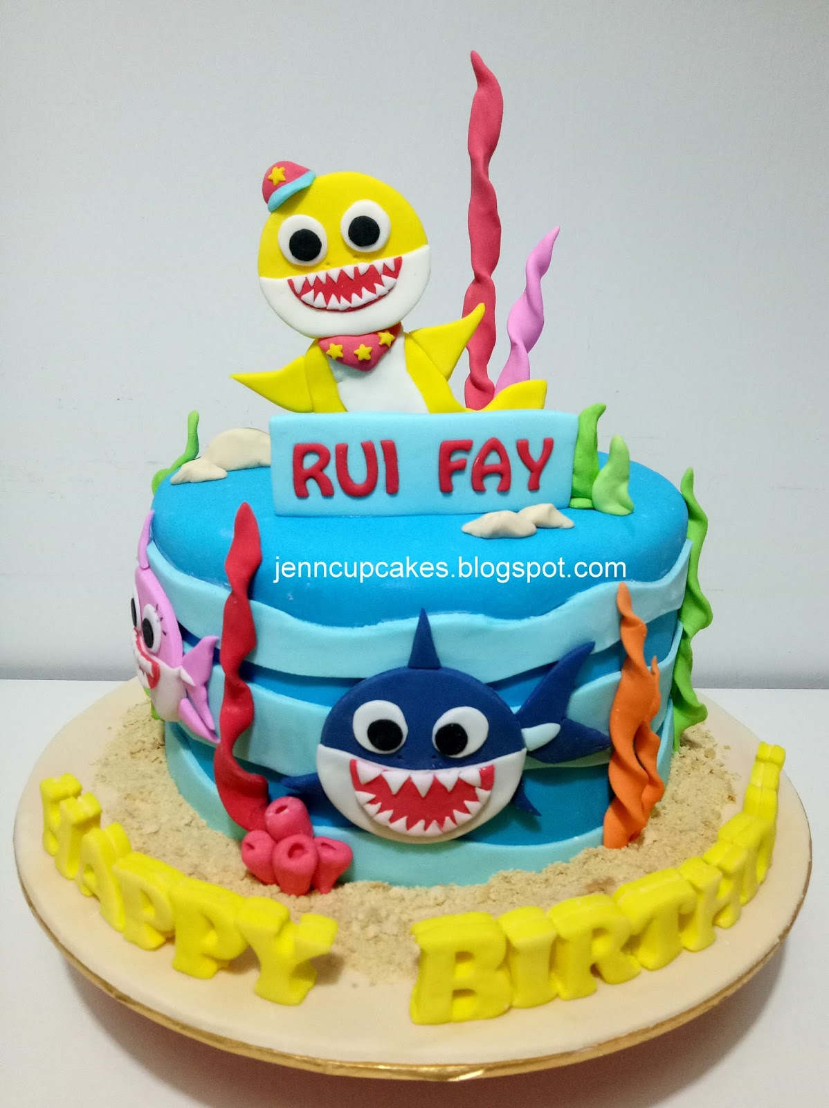 Jenn Cupcakes Muffins Baby Shark Cake