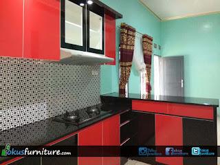 Kitchen set merah hitam di cilayang Lebak Banten