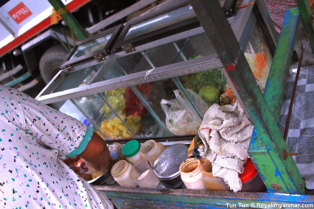 Tun Tun's Photo Diary: Mandalay assorted salad (သီးစုံ