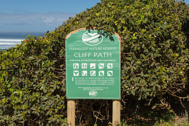 Cartel de los cliff paths de Hermanus