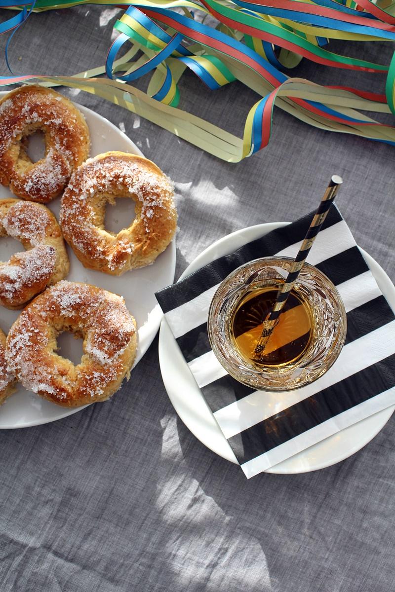 helpot gluteenittomat ja laktoosittomat vappumunkit uunissa