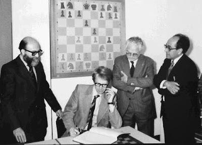 Los ajedrecistas Jordi Puig, Fridrik Olafsson, Joan Segura y Jaume Mora