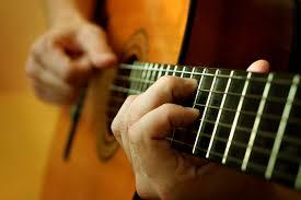 Học Đàn Guitar Đệm Hát Giá Rẻ TPHCM