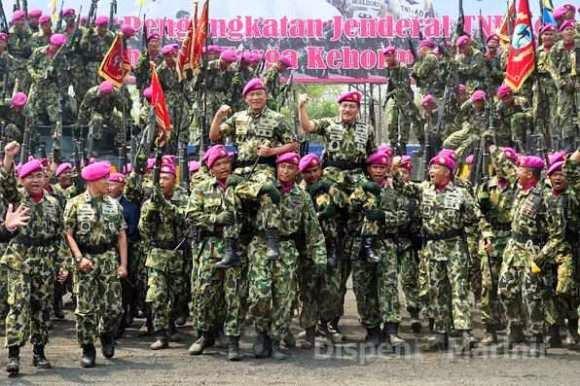 Upacara anugerah Warga Kehormatan Panglima TNI