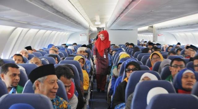 Sudah Duduk Di Kursi Pesawat, 49 Jamaah Umroh Dari Travel Ini Gagal Berangkat Ke Tanah Suci