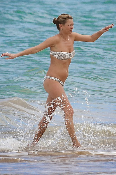 Kate Moss in the beache in Brazil