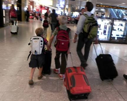How To Pack Light When Travelling With Kids