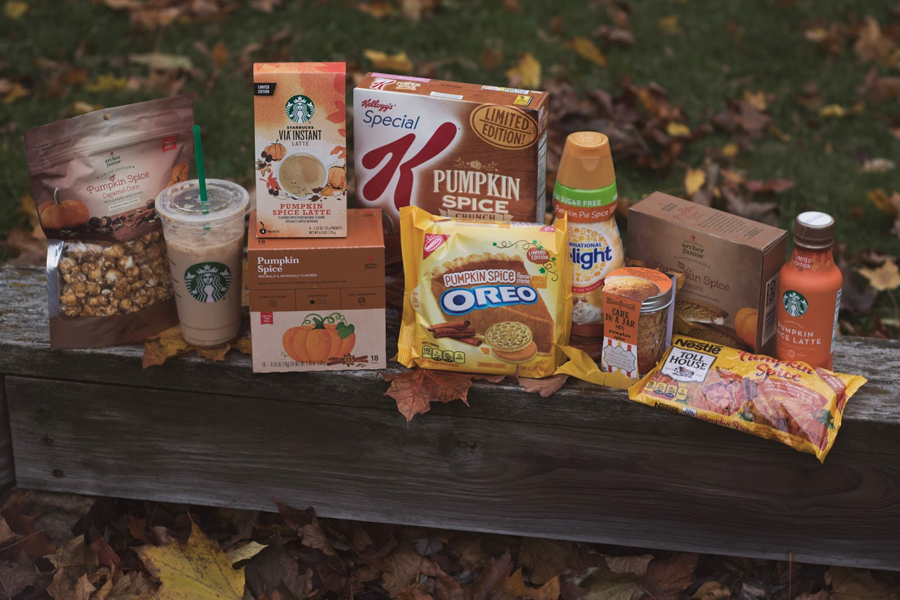 Fall Treats, Autumn Treats, Pumpkin Spice Foods, Pumpkin Spice Snacks, Testing Fall Foods, Pumpkin Spice Lattee, Starbucks, Pumpkin Baking Chips, Pumpkin Pie Creamer, Pumpkin Spice Oreos, Caramel Corn, Cake in a Jar, PSL, Pumpkin Spice Cereal, Food Testing, Fun Snack Ideas, College Blogger, Lifestyle Blogger