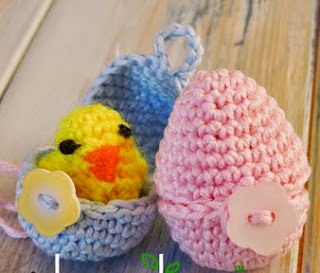 http://translate.googleusercontent.com/translate_c?depth=1&hl=es&rurl=translate.google.es&sl=en&tl=es&u=http://happyberrycrochet.blogspot.ca/2014/03/how-to-crochet-mini-chick-and-egg-yarn.html&usg=ALkJrhgt40iDnpop3YpSRNCwZPrjU5cJwg