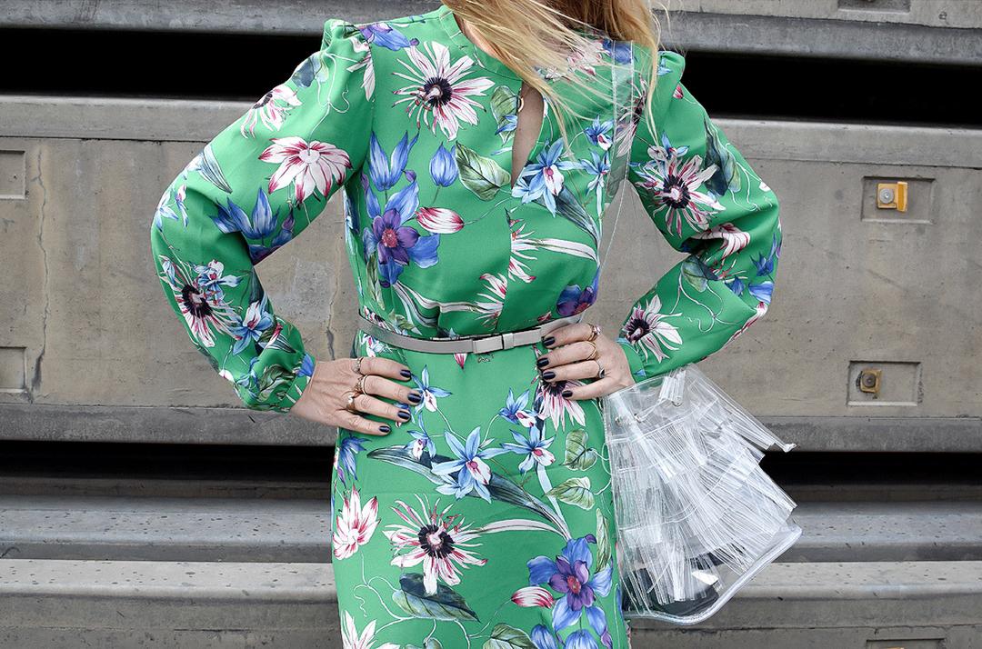 Kleid mit Blumenmuster und langen Ärmeln, Kleid mit langem Arm, Grünes Kleid