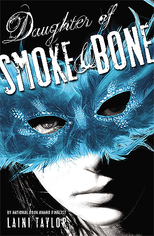 Laini Taylor – Daughter of Smoke and Bone
