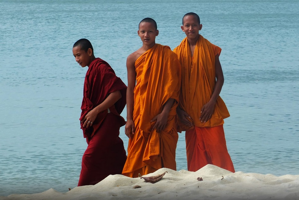 young monk at kep beach in Cambodia - cambodianprivatetours.com