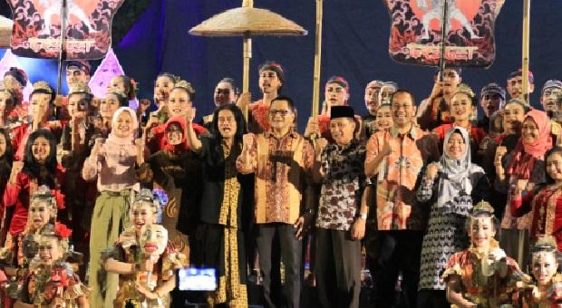 Pentas Tari Implementasi Gerakan Masyarakat Berbasis Budaya