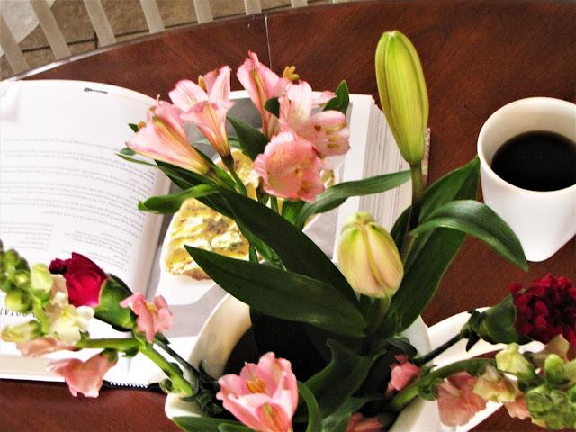 wild flowers as table decor