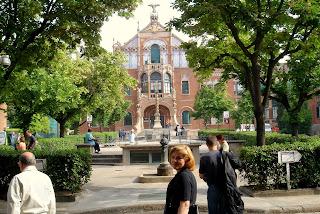 Больница Святого Павла (Hospital de la Santa Creu i Sant Pau), объект Всемирного наследия ЮНЕСКО.