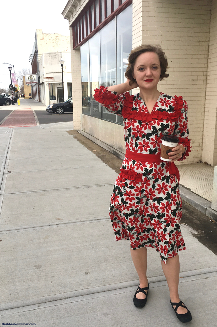 Flashback Summer: 1940s Poinsettia Dress - Simplicity 4900