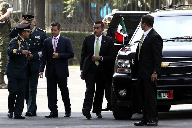 Estado Mayor Presidencial de Peña Nieto amenaza a fotógrafo en Colima. Te vamos a desaparecer, le dicen.
