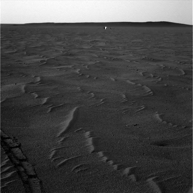 Being Seen On Mars Near NASA Rover In Three Photos! Mars%252C%2Balive%252C%2Brover%252C%2Benergy%2Bbeing%252C%2Bangel%252C%2Btop%2Bsecret%252C%2BUFO%252C%2BUFOs%252C%2Bsighting%252C%2Bsightings%252C%2Bsurface%252C%2Bface%252C%2Bfigure%252C%2Bbase%252C%2Bbuilding%252C%2Bbuildings%252C%2Bstructure%252C%2Bstructures%252C%2Banomaly%252C%2Banomalies%252C%2Bscott%2Bwaring%252C%2Bnasa%252C%2Besa%252C%2Bnsa%252C%2Bcia%252C%2B4