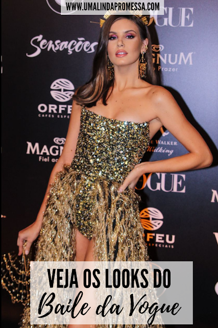 Looks do Baile da Vogue 2019 camila queiroz