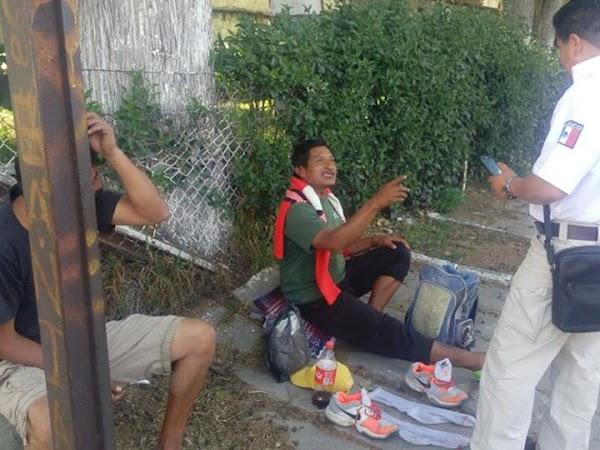 Mexicanos se hacen pasar por centroamericanos para mendigar