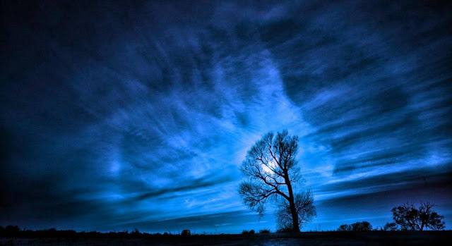 6 Keindahan Foto Langit Malam Hari Yang Tidak Akan Terlupakan