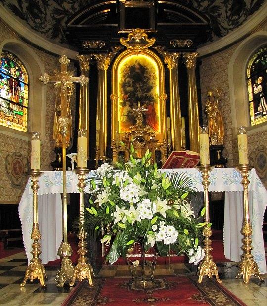 Kościół Najświętszej Maryi Panny Wniebowziętej i św. Stanisława Biskupa w Szczyrzycu. Ołtarz główny.