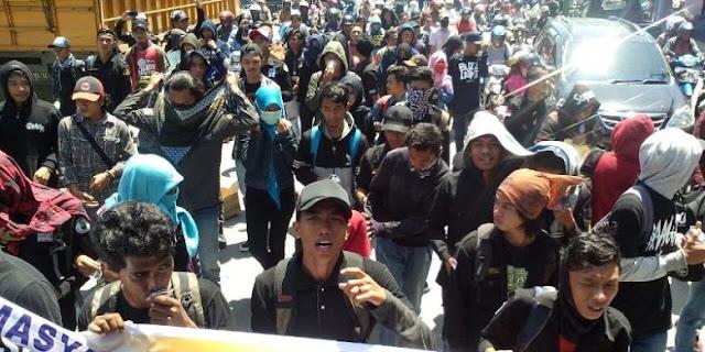 Ratusan Warga Berdemo Menuntut Poso Jadi Ibu Kota Sulawesi Timur