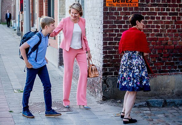 Queen Mathilde wore Giorgio Armani silk jacket and silk trousers