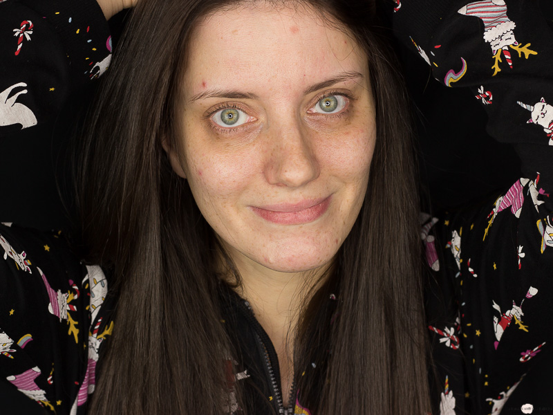 Catrice Liquid Coverage Foundation Review Ungeschminkt Bare Face Drogerie Drugstore