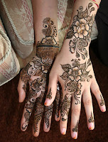 Pretty mehndi designs for women