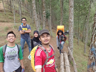 Tim rombongan pendakian gunung Andong Magelang Jawa Tengah