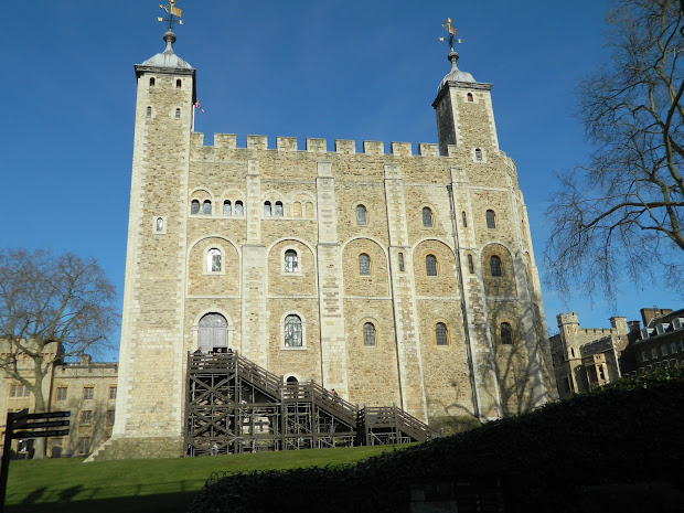 Grace Elliot - Tower Of London Polar Bears In