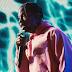 """Em HD, confira Travis Scott performando """"Carousel"""" e """"Sicko Mode"""" pela primeira vez"""