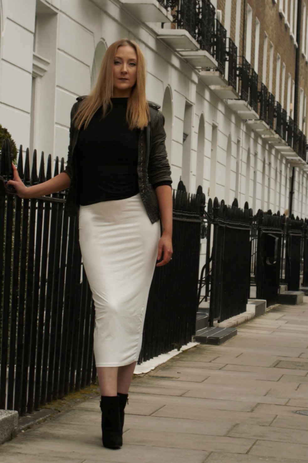 missguided white skirt