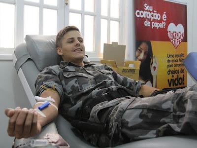 Guardas Municipais doam sangue no hemocentro de Macaé (RJ)