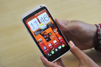 Thay mat kinh HTC One X o dau