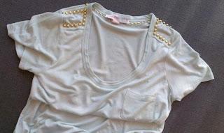 Tişört Omuzlarını Boncukla Süsleme