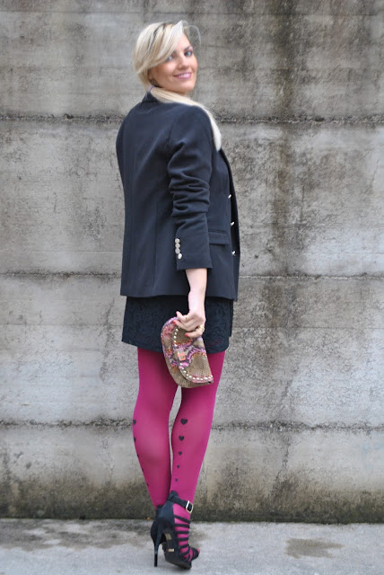 outfit calze burgundy come abbinare le calze burgundy outfit calze con cuoricini come abbinare le calze con cuoricini abbinamenti calze con cuoricini outfit calze burgundy come abbinare le calze burgundy abbinamenti calze burgundy tights burgundy tights how to wear burgundy tights how to match burgundy tights printed tights outfit invernali casual winter outfits february outfits mariafelicia magno fashion blogger colorblock by felym fashion blog italiani fashion blogger italiane blog di moda blogger italiane di moda fashion blogger bergamo fashion blogger milano fashion bloggers italy italian fashion bloggers influencer italiane italian influencer
