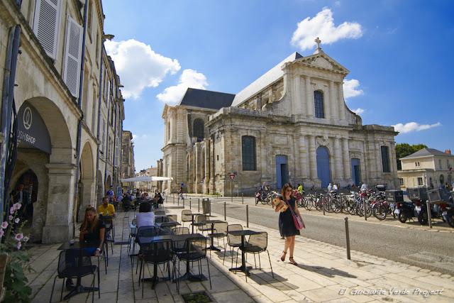 Catedral de St. Louis - La Rochelle por El Guisante Verde Project