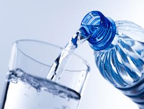 cara-terapi-dan-manfaat-khasiat-minum-air-putih-untuk-kesehatan