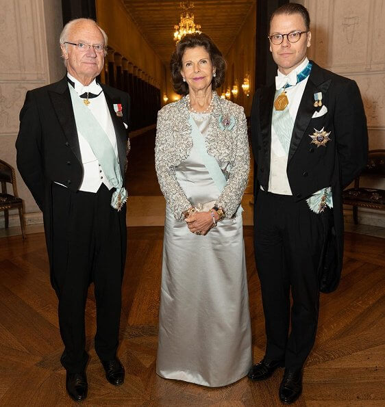 Queen Silvia, Princess Victoria, Pricess Sofia, Princess Estelle and Princess Madeleine at the meeting at Stockholm Concert Hall