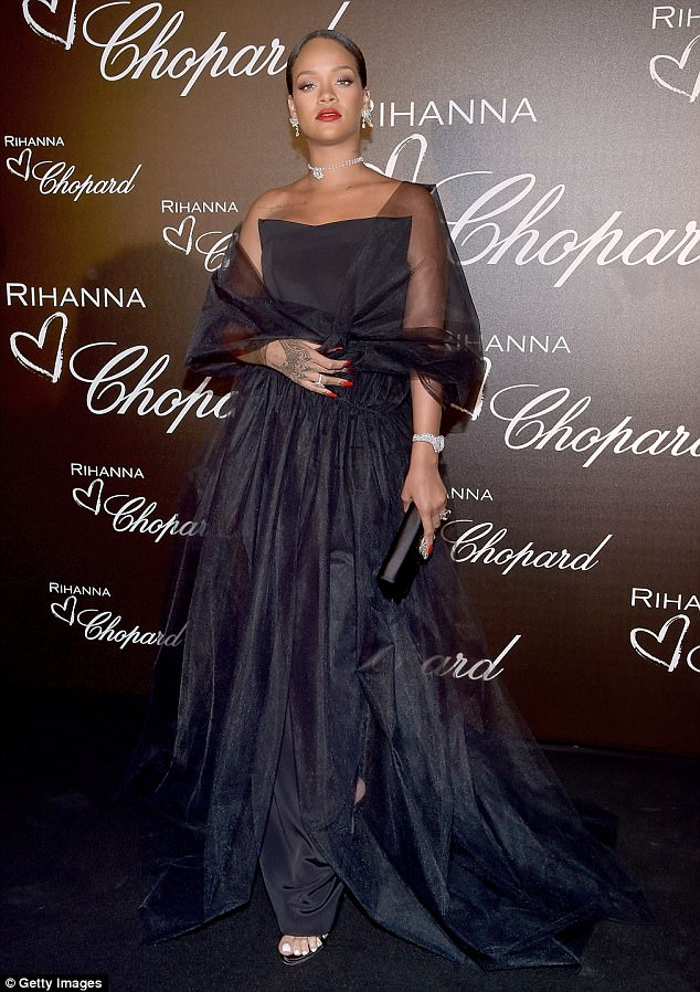 Rihanna shines bright and sexy in Chopard Diamonds at her ...