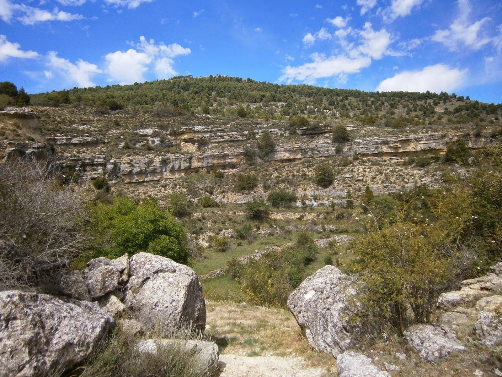 Entrada natural a la Dolina del Cañigral, Albarracin (Teruel)
