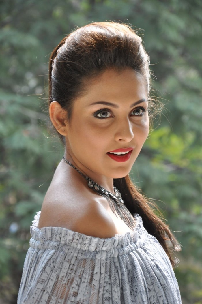Telugu Beautiful Girl Madhu Shalini Photos In Black Dress