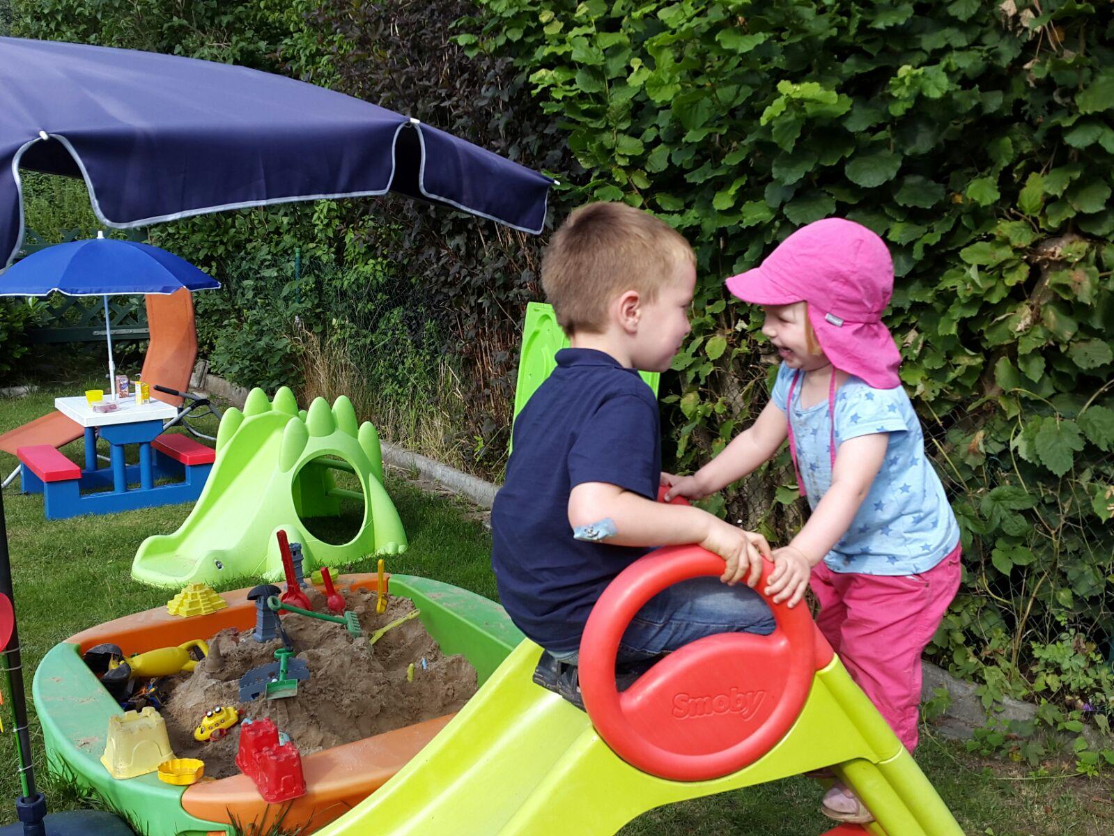 Frühlingskindermama: Ein Spielturm für unseren Garten