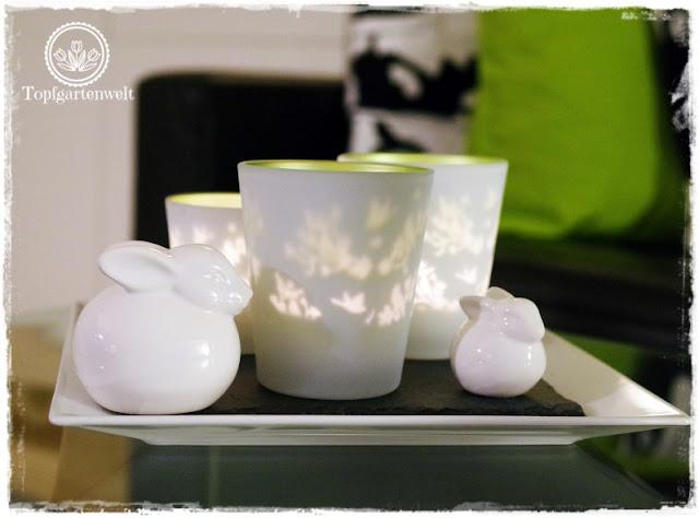Gartenblog Topfgartenwelt Deko: frühlingshafte Windlichter mit weißen Porzellanhasen für Ostern