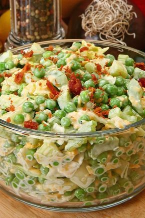 Green Pea Salad with Bacon and Cheese Recipe - mayonnaise, honey, sugar, celery, and onion. A quick and easy side dish recipe with a 10 minute prep time and ready in 20 minutes. Gluten free #peasalad #salad #peas #glutenfree #bacon #picnicrecipes #sidedish #recipe #recipes #kitchme #dinner #dinnerideas #dinnerrecipes
