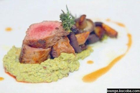 Berita Aneh: Steak Ini Terbuat dari Kotoran Manusia.