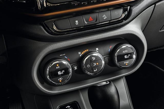 Fiat Toro Volcano 2.0 4x4 Diesel - interior - ar-condicionado digital